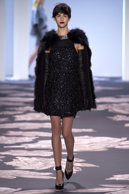 vera-wang-fall-2013-cape-sequins