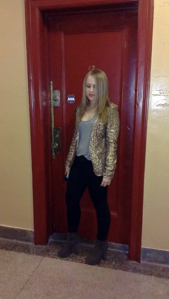 Sequin Blazer, outfit post on The Blonde Banana