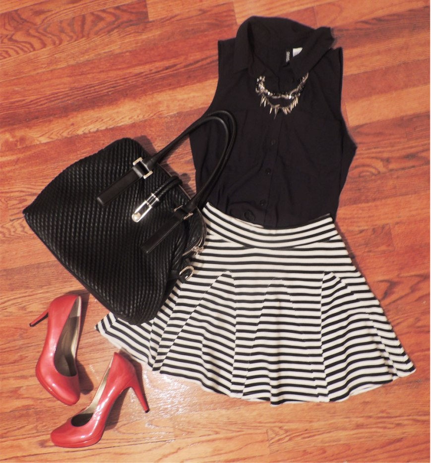 Black and White Pleated Striped Skirt Outfit