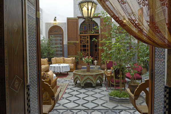 Swell 6 Reasons To Stay In A Riad In Morocco The Blonde Banana Interior Design Ideas Gentotryabchikinfo